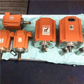 使用机器人水切割设备可以提高工作效率